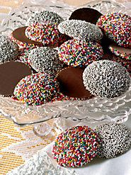 Guittard's Chocolate Nonpareils, Sprinkled with Sweetness, Are Truly Beyond Compare Guittard Chocolate, Unsweetened Chocolate, Crinkles Recipe, Nostalgic Candy, Old Fashioned Candy, Chocolate Brands, Vintage Candy, Rainbow Sprinkles, Candy Store