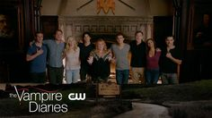 Sob fest 😭 😭 the vampire diaries goodbye - final season- comic con tvd fo Vampire Diaries Stefan, Vampire Diaries Outfits, Vampire Diaries Seasons, Vampire Diaries Quotes, Vampire Diaries Cast, Vampire Diaries The Originals, Damon Salvatore, Ian Somerhalder, Vampire Shows