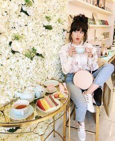 21889d4f84c Lifestyle fashion travel blogger Jenny Tsang of Tsangtastic wearing off  Gucci headband white button down shirt grey raw hem skinny jean…