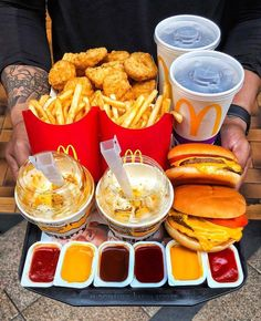 Bewitching Is Junk Food To Be Blamed Ideas. Unbelievable Is Junk Food To Be Blamed Ideas. Yummy Recipes, Snack Recipes, Yummy Food, Fast Recipes, Bakery Recipes, Think Food, I Love Food, Sleepover Food, Junk Food Snacks