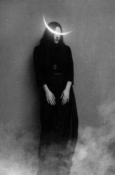 Black and white photography. Witch embracing the Crescent moon Alluka Zoldyck, Yennefer Of Vengerberg, Arte Obscura, Season Of The Witch, Witch Aesthetic, Aleister Crowley, Dark Photography, Macabre Photography, Halloween Photography