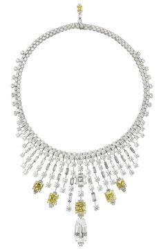 Collection Collier Secrets et Merveilles platine et diamants de différentes tailles, de Cartier. PHOTO: © CARTIER
