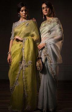 Pakistani Formal Dresses, Pakistani Wedding Outfits, Indian Bridal Outfits, Indian Designer Outfits, Indian Dresses, Sari Design, Sari Blouse Designs, Simple Sarees, Saree Trends
