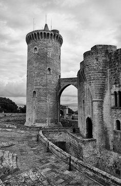 La torre y el puente by . SantiMB ., via Flickr. Castell de Bellver - Palma de Mallorca, Illes Balears (Spain).