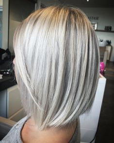 Ideas For Hair Color Blonde Platinum Summer Haircuts Medium Blonde Hair, Ash Blonde Hair, Blonde Bob With Fringe, Blonde Balayage, Hair Color And Cut, Haircut And Color, Haircut Style, Medium Hair Styles, Short Hair Styles