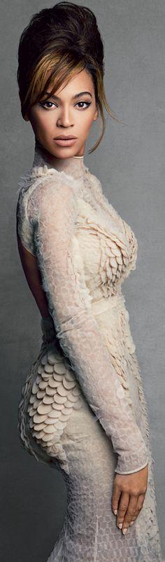 Beyonce by Patrick Demarchelier for Vogue US 2013 << Queen Bey! Beyonce 2013, Estilo Beyonce, Solange Knowles, Divas, Ellie Saab, Patrick Demarchelier, Vogue Us, Queen B, Belle Photo