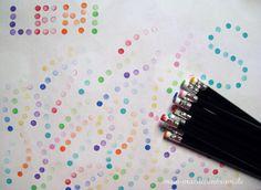 Bleistifte mit integriertem Radiergummi gibt es sehr günstig im 10er Pack - da lohnt sich die Anschaffung eines Bleistifts pro Farbe allemal (und man spart sich das reinigen nach jeder Farbe ;-)! Mit den Punkte-Stempeln lassen sich die tollsten Effekte erzielen und sogar Buchstaben schreiben - einfach ausprobieren!