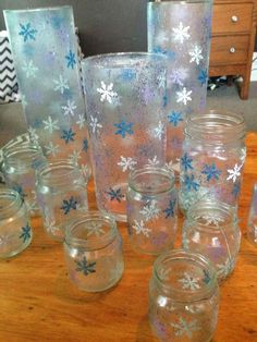 The Dabbling Crafter: DIY Sunday: Snowflake Jars and Candle Holders -- Christmas decor or can be for Frozen Party Decoration Frozen Themed Birthday Party, Disney Birthday, Birthday Party Themes, 5th Birthday, Birthday Ideas, Frozen Party Decorations, Diy Christmas Decorations Easy, Frozen Centerpieces, Snowflake Centerpieces