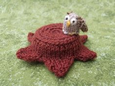 Knitted owl pin cushion by sachiyoishii on Etsy