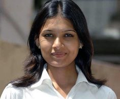 Vani Bhojan | Veethi
