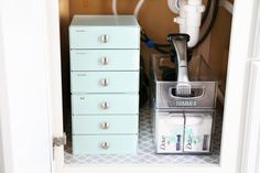 Organize every room of the house with storage bins, pretty baskets, and storage tubs with these quick and easy organizing tips! Bathroom Drawer Organization, Bathroom Drawers, Basket Organization, Small Bathroom Storage, Closet Organization, Organized Bathroom, Vanity Drawers, Bathroom Cabinets, Budget Bathroom