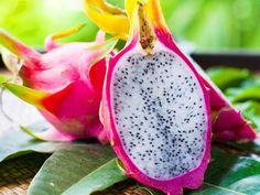 Dragon Fruit South Africa Cuttings For Sale - Planting Method Como Plantar Pitaya, Fruit Plants, Saveur, Fresh Fruit, Food Art, Dragon, Succulents, Healthy Recipes, Healthy Food