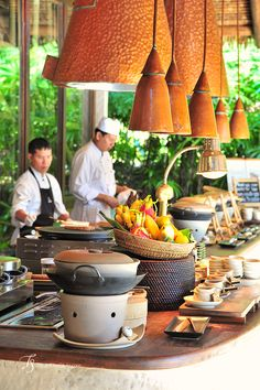 We just had to include this place in our last Thailand trip—the pull was as irresistible as with other Six Senses resorts … Hotel Buffet, Buffet Set, Restaurant Streets, Seafood Restaurant, Thai Cooking, Asian Cooking, Wedding Buffet Displays, Restaurant Pictures, Asian Street Food