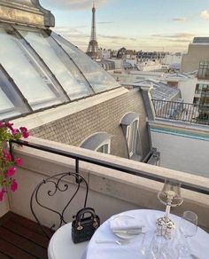 ᗰƖᔕᔕ ᗰᗩᖇƖᗩ February 04 2020 at fashion-inspo Paris 3, Paris France, City Aesthetic, Travel Aesthetic, Little Paris, Living In Europe, European Summer, Dream City, Places To Go