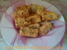 date and nut rusks No Bake Desserts, Banana Bread, Biscuits, Oatmeal, Dating, Cooking Recipes, Herbs, Herb Box, Breakfast
