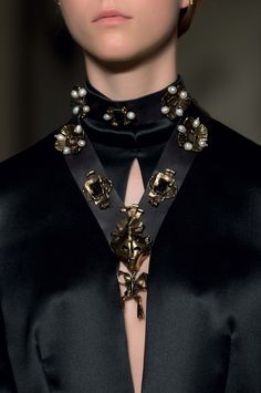 Details Valentino Haute Couture 2016- '17 Fall Winter
