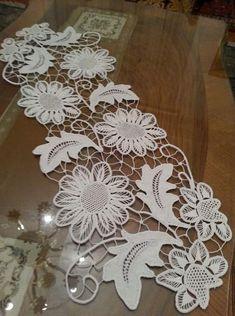 Crochet Leaf Patterns, Crochet Doily Rug, Crochet Carpet, Bobbin Lace Patterns, Crochet Tablecloth, Macrame Patterns, Herb Embroidery, Embroidery Designs, Lace Stencil