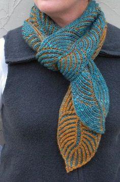 Brioche is everywhere! Ravelry: Hosta Brioche Scarf pattern by Nancy Marchant Knitted Shawls, Crochet Scarves, Crochet Shawl, Knit Crochet, Crochet Cats, Lace Shawls, Crochet Birds, Crochet Food, Knit Cowl