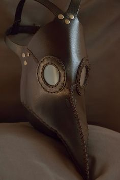 Plague doctor mask brown