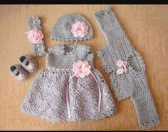 Fabulous Crochet a Little Black Crochet Dress Ideas. Georgeous Crochet a Little Black Crochet Dress Ideas. Baby Girl Crochet, Crochet Bebe, Crochet Baby Clothes, Cute Crochet, Baby Blanket Crochet, Crochet For Kids, Crochet Yarn, Booties Crochet, Crochet Baby Dresses