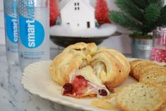 An easy baked cranberry Brie appetizer that's perfect for your next party or get together. Impress your friends with this fancy but oh so easy baked brie! Brie Appetizer, Appetizers, Brie Cheese Recipes, Baked Brie, Bagel, Favorite Recipes, Baking, Desserts, Easy