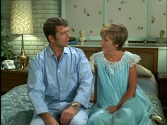 CAROL Mike do you think Mr. Randolph could be mistaken? Robert Reed, Homeschool Books, Homeschooling, The Brady Bunch, Parent Teacher Conferences, Three Boys, Parents As Teachers, Vintage Tv, Thats The Way