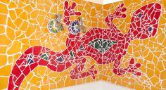 Mosaik Gecko für die Wand. Auf eine langweilige Fliesenwand habe ich diesen abenteuerlustigen Gecko geklebt. Die Fliesen werden zu Scherben gebrochen und dann zu dem Mosaik zusammengepuzzelt.