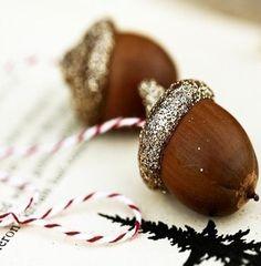 Silver Acorns - lovely! #christmas #decorations #decor