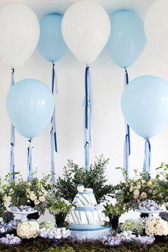 Chá de bebê de menino em azul e branco