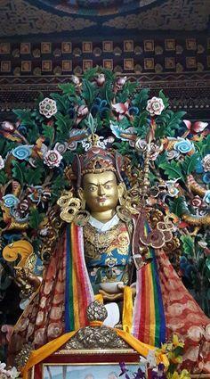 Bouddha Padmasambhava Guru Rimpoché dans un temple bouddhiste Nyigmapa au Bhoutan.