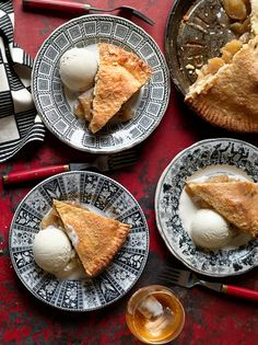In 2013, at least, one of the great pie makers in New York City was Kierin Baldwin, the pastry chef at The Dutch in the SoHo neighborhood. This recipe is adapted from hers, for a plain apple pie. (Photo: Annie Schlechter for The New York Times)