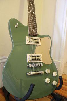 Gretsch-style modded Fender Toronado