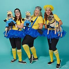Halloween group costume idea: MINIONS! With your dogs, too!