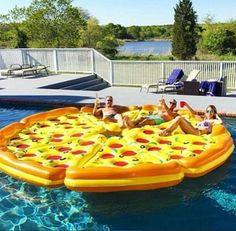 8 Piece Complete Pizza Pool Float Set This is the ultimate pool float for your next pool party. The complete pizza pie! Includes eight slices of pizza Summer Goals, Summer Of Love, Summer Fun, Summer Things, Pizza Pool Float, Structures Gonflables, My Pool, Pool Fun, Pool Floats