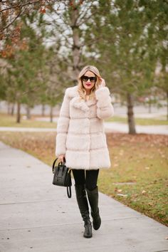 Winter Chic + Friends and Family Sale