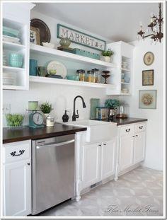 fleamarkettrixie.com - vintage dishware in kitchen