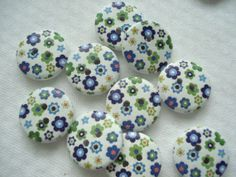 10 x 18mm Wooden Buttons with Blue Green Small Flower Print, £1.25