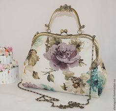 Diy Purse, Clutch Purse, Love Frames, Frame Purse, Embroidery Bags, Bag Patterns To Sew, Change Purse, Fabric Crafts, Purses And Bags