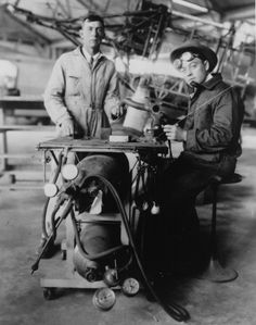 1929 Metal workers welding pipe pause for the camera in NASA on The Commons Old Pictures, Old Photos, Pipe Welding, Forging Metal, Metal Crafts, Nasa, Aircraft Parts, Welding Ideas, Safety