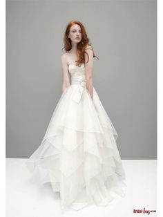 Fashionable Floral Sash Organza Ruffled Lace Wedding Dresses