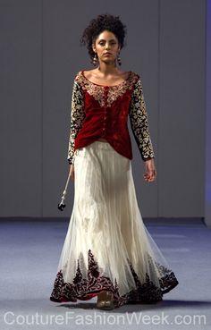Parna Ghose Couture Fashion Show New York 2013 Collection Printemps 2013 #parnaghose #mode #fashion #women #femmes #printemps2013 #newyork #couturefashionshow #couture #jupelongue #inspiration