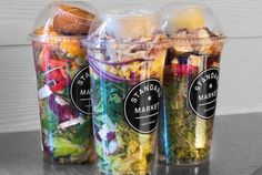 Meal: Grab-and-Go Mason Jar Salad Meal: Grab-and-Go Mason Jar Salad : Make the night before, bring to work for an easy lunch the next day. Meal: Grab-and-Go Mason Jar Salad : Make the night before, bring to work for an easy lunch the next day. Food Trucks, Food Truck Menu, Food Truck Wedding, Food Truck Design, Salad In A Jar, Salad Bar, Salad Shop, Nice Salad, Chef Salad