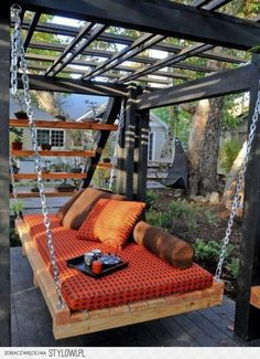 Love this swing, would be even better with planters of herbs along both sides!