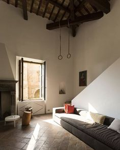 GNG in Pesaro, Italy by PLUS ULTRA Studio. @plusultrastudio #plusultrastudio #pesaro #historical #two #level #loft