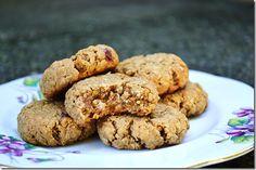 peanut butter oatmeal breakfast cookies (made with greek yogurt!)