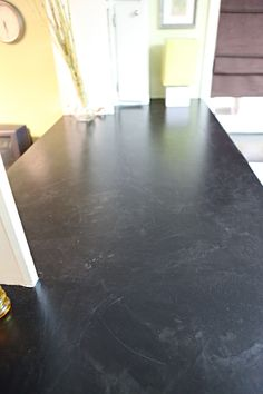 Best pic I& found on Pintrest so far of the Encore countertop finish. laminate countertops updated using encore refinishing system. any color you want. Refinish Countertops, Countertop Makeover, Soapstone Countertops, Cheap Countertops, Laminate Countertops, Kitchen Countertops, Painting Countertops, Country Kitchen Counters, Kitchen Redo