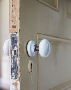 How to Strip Paint from Doors - House of Brinson Old Wood Doors, Wood Front Doors, Painted Front Doors, The Doors, Wooden Doors, Vintage Doors, Antique Doors, Stripping Paint From Wood, This Old House
