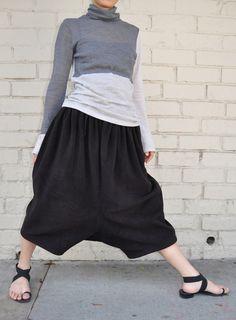 Comme Des Garcons Black Fleece Polyester Drop Crotch Harem Pants S Japan Modest Summer Outfits, Mom Outfits, Stylish Outfits, Low Crotch Pants, Drop Crotch, Comme Des Garcons, Pants Pattern, Fashion Pants, Harem Pants