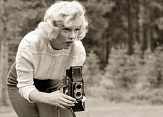 .Foto Rare di Marilyn Monroe con una Rolleiflex in News in Magazine - Rolleiflex 3.5 Lomography