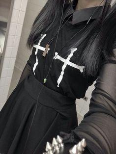 Nu Goth Fashion Tip Nº 12: Black Dress with Cross & Black Skirt - http://ninjacosmico.com/22-fashion-tips-nu-goth/